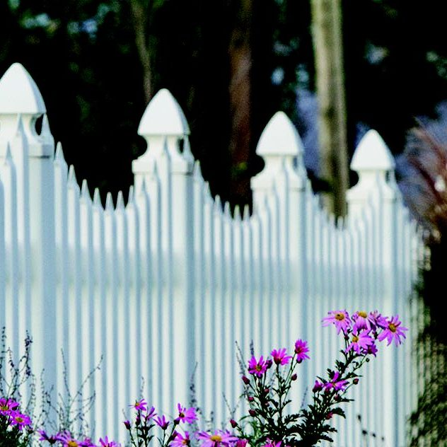 Deluxe Concave Picket Fence
