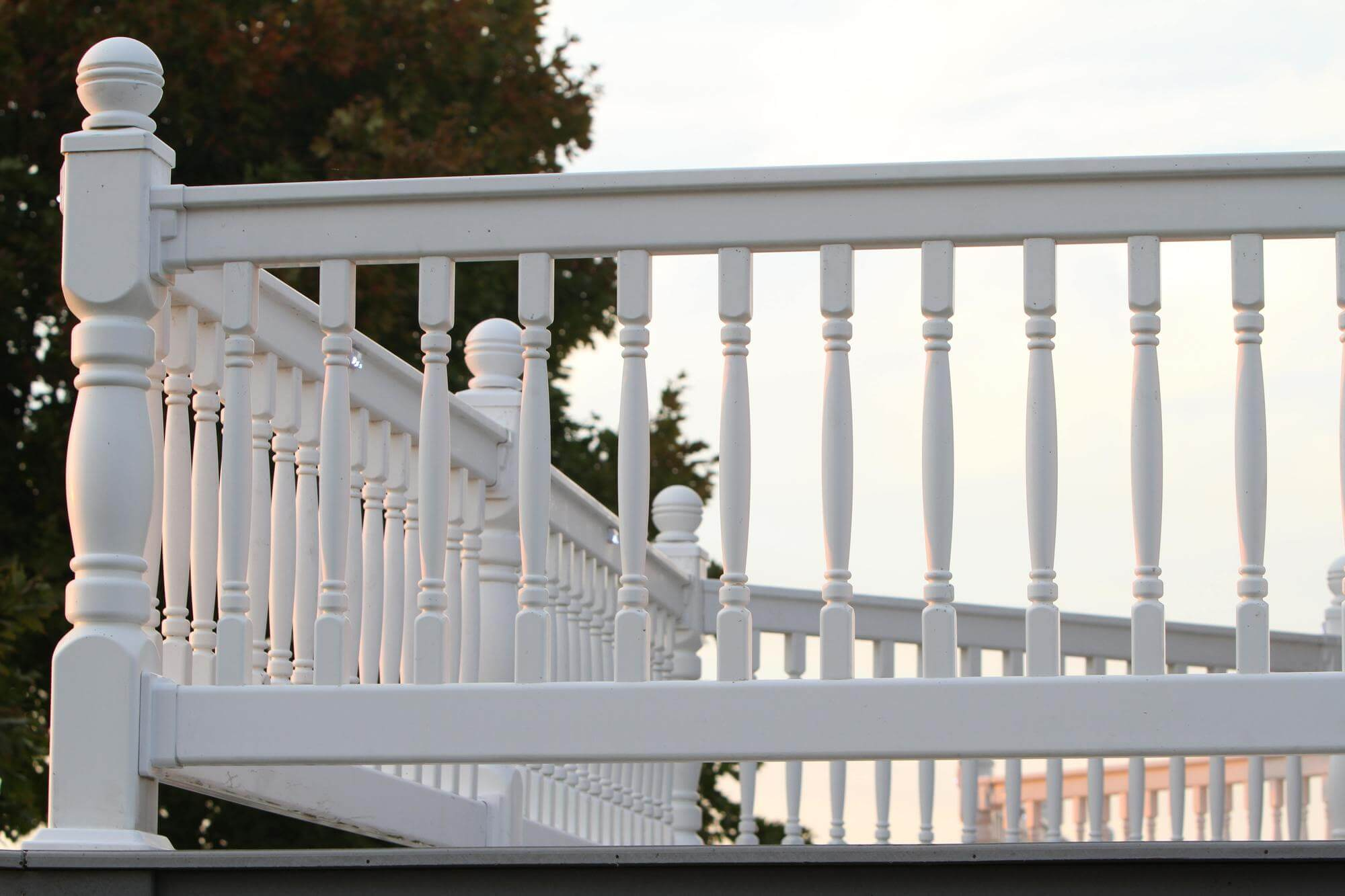 1000 Series Vinyl Railing - Superior Plastic Products